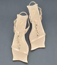 Ślubne sandały koraliki, koronka, niski obcas