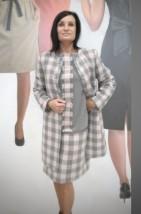 Wełniana garsonka biznesowa z płaszczem w kolorze szaro-różowym