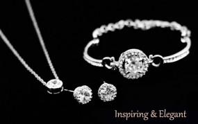 Srebrny komplet biżuterii cyrkonie białe kryształki kamienie drobne Z131