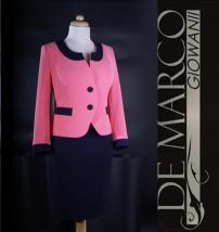 Różowy kostium biznesowy, do pracy