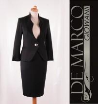 Wytworny kostium biznesowy do pracy